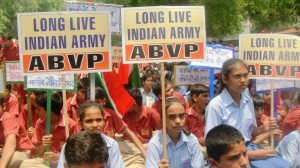 New Delhi: Thousands of students participated in a rally organised by ABVP to salute Indian Army on its brave rescue operation in Uttarakhand flood hit zones.