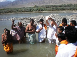 RSS functionary Indresh Kumar lead this years SINDHU DARSHAN team at Sindhu Ghat, Leh. Yatra concluded successfully