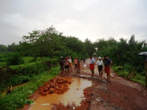 BMS volunteers and other like minded youth indulged in restructuring the road