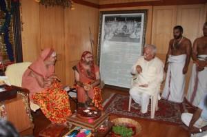 RSS Sarasanghachalak Mohan Bhagwat today met Kanchi Kamakoti Peetam Pujyasri Jayendra Saraswati Shankaracharya Swamiji and Pujyasri Sankara Vijayendra Saraswathi Swamiji who were observing Chaturmasya Vratam and Puja at Kanchi Mutt, Tamilnadu