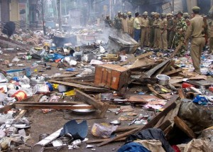 File photo: Mob damaged shops in Kishtwar, north of Jammu, during communal clashes. REUTERS Read more at: http://indiatoday.intoday.in/story/eid-curfew-imposed-in-jammu-and-kashmirs-kishtwar-district-after-communal-clashes/1/298788.html