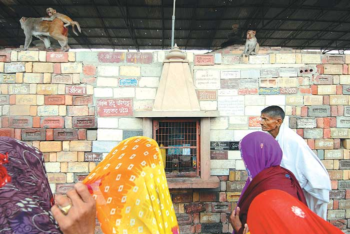ram_mandir_ayodhya_20100927