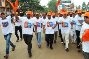 Former Chief Minister of Karnataka Jagadish Shettar runs in 'Bharat Doud' at Hubli