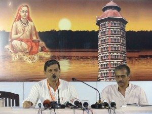 RSS Joint General Secreatry Dattatreya Hosabale addressing media at ABKM meet at  Kochi on October-26-2013