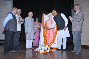 HRD Minister Dr. Pallam Raju inaugurating the conference by lighting the lamp. Seen from left Shri. R. S. Gupta (Former Police Commissioner, Delhi), Prof. Aniruddha Dehpande (National Secretary, SVSSSS), Dr. Subhash Kashyap (Former Secretary General, Lok Sabha) & Dr. Anil Karodkar (Former Chairman, Atomic Energy Commission)