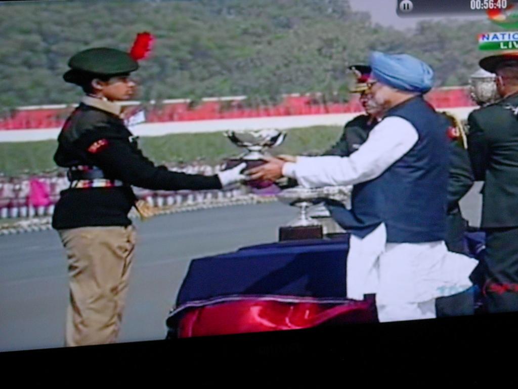 Soumaya Hegade receiveing National Award from PM-Jan-28-2014