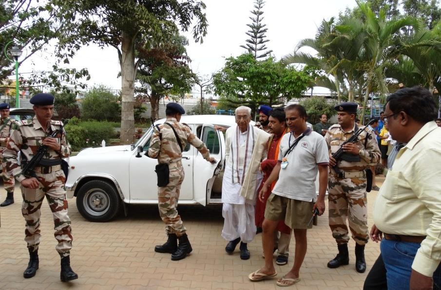 VHP veteran Ashok Singhal, BJP's Rajnath Sing arrives in for ABPS meet
