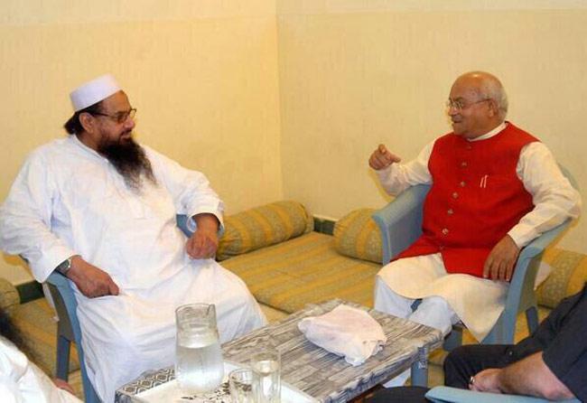 Twitter Photo: Indian Journalist Ved Pratap Vaidik met  terrorist Hafiz Saeed Chief of  Jamaat-ud-Dawa (JuD), the front organisation of Pakistan-based terrorist group Lashkar-e-Taiba on July 2 at Lahore.