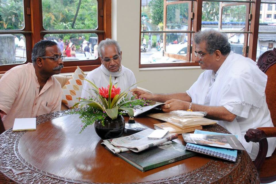 VHP Karnataka's Gopal, VHP International General Secretary Champat Roy met and discussed Dr Veerendra Heggade at Dharmasthala near Mangalore, on Aug 10, 2014