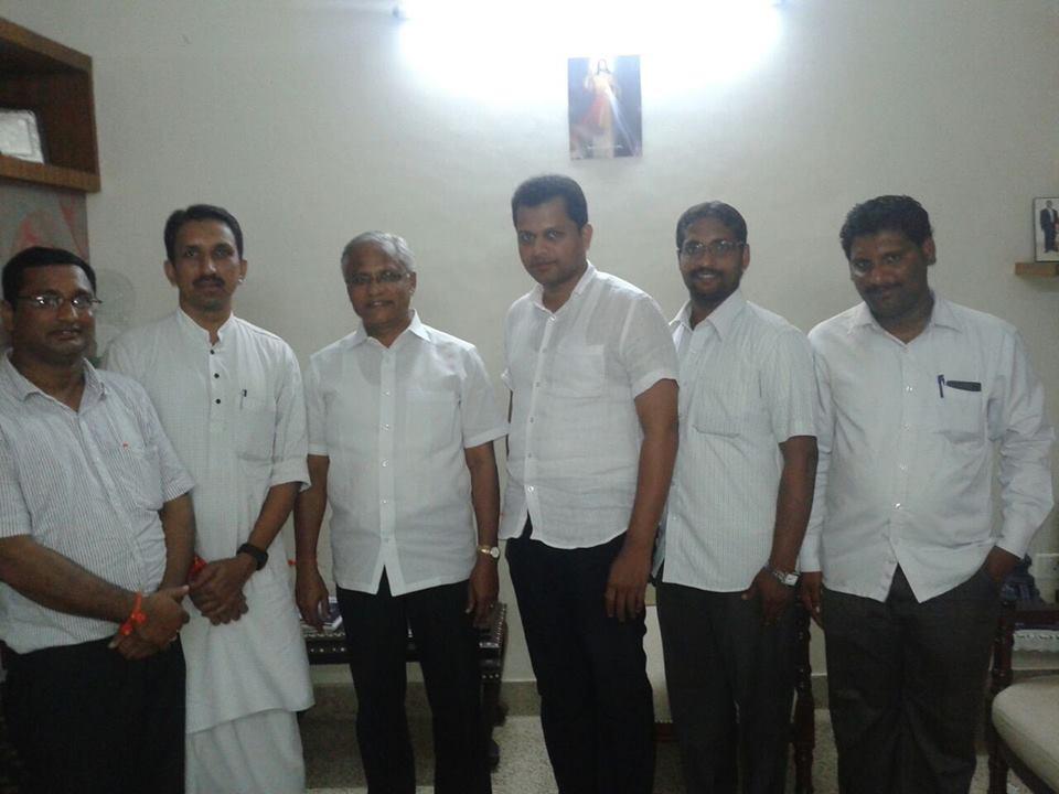 http://samvada.org/files/2014/08/RSS-ABVP-members-celebrate-Rakshabandhan-with-Mangalore-MLA-JR-Lobo