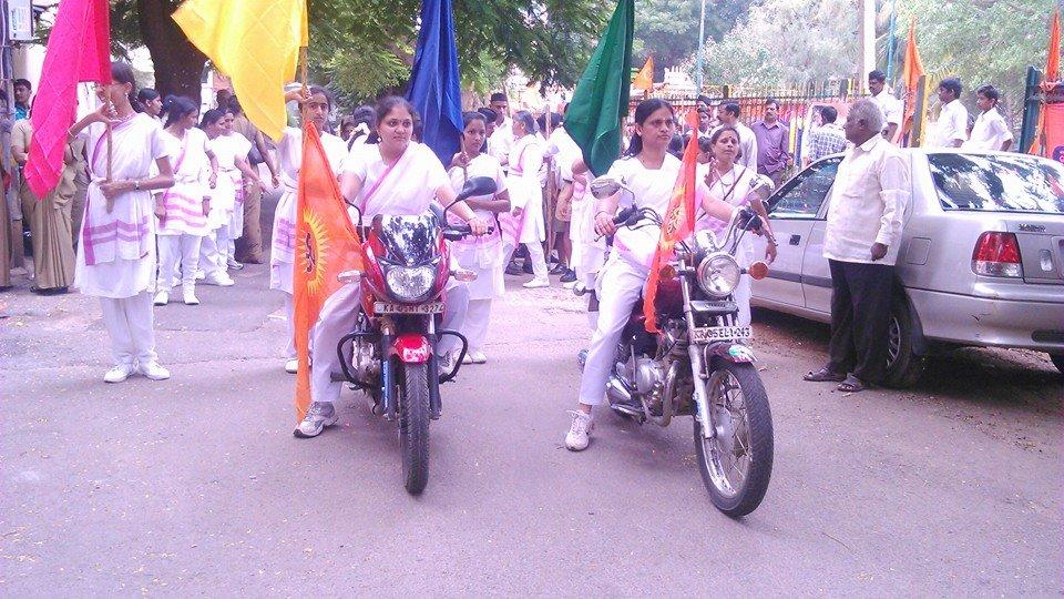 Rashtra Sevika Samiti Sanchalan Bengaluru Oct-13-2014 (1)
