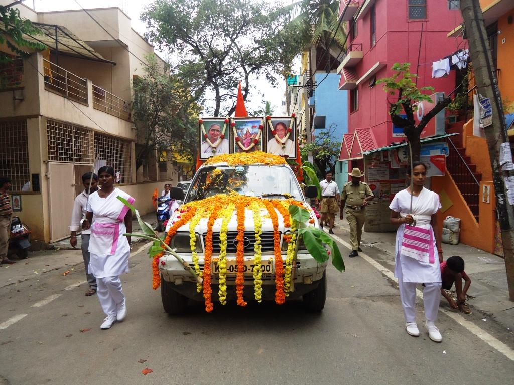 Rashtra Sevika Samiti Sanchalan Bengaluru Oct-13-2014 (3)