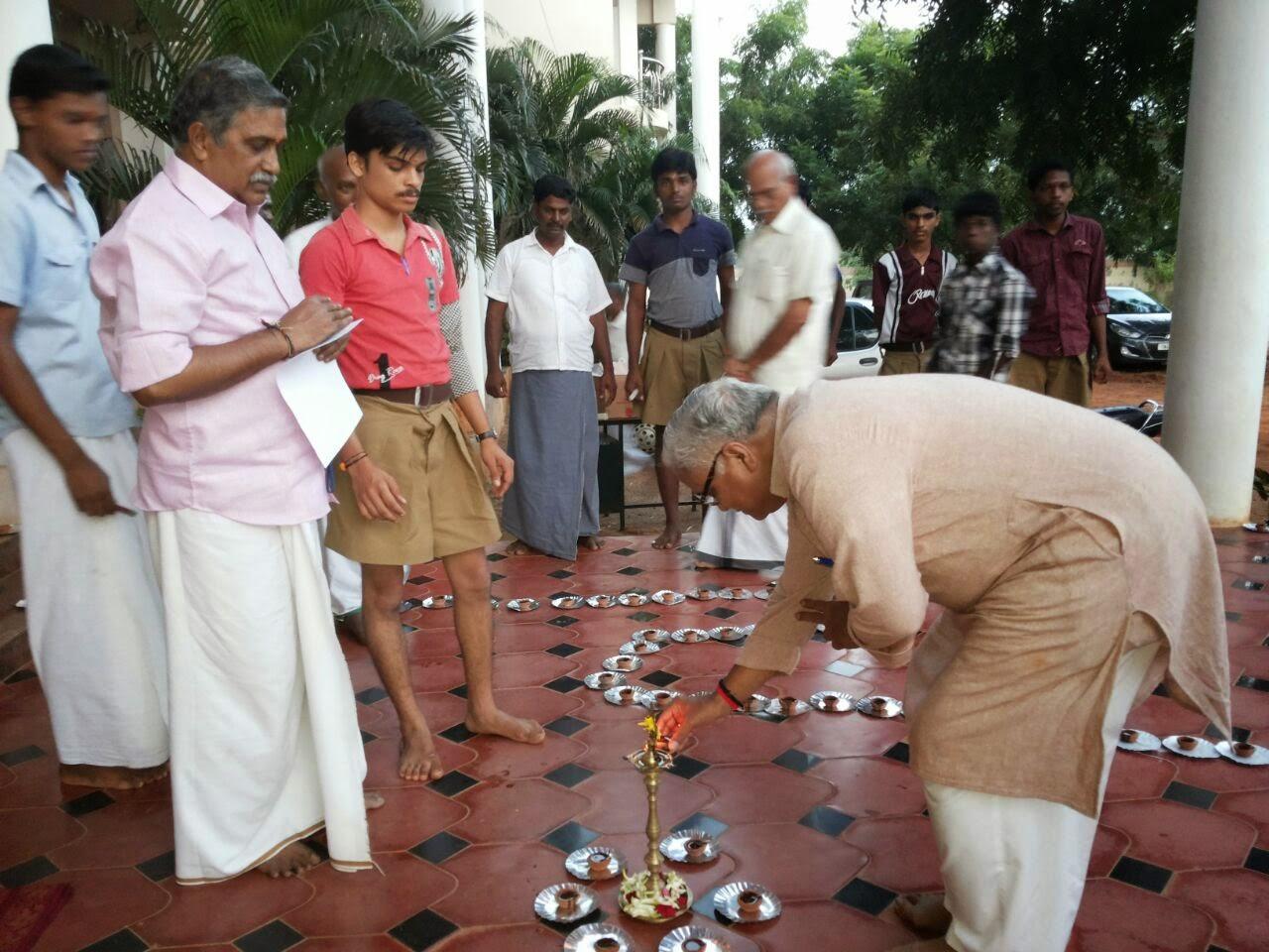 RSS Sarakaryavah Bhaiyyaji Joshi joins Karthika Poornima celebrations in Thanjavur