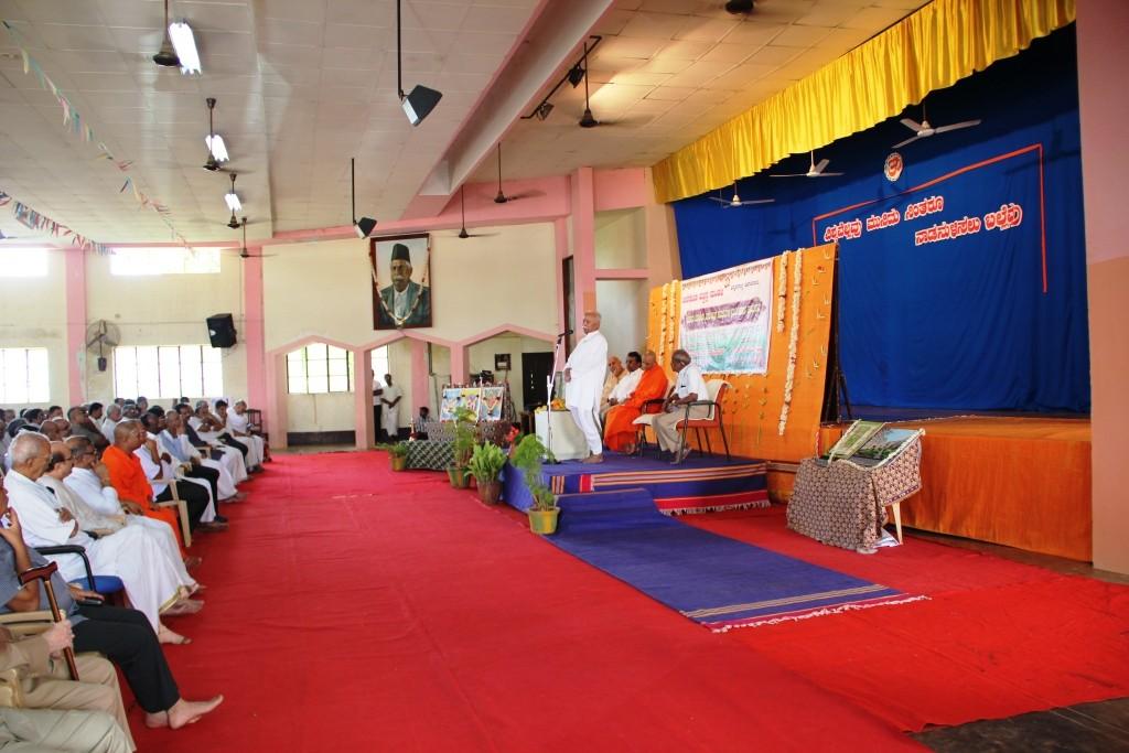 Bhagwatji at Janaseva Bengaluru April 30-2015 (10)