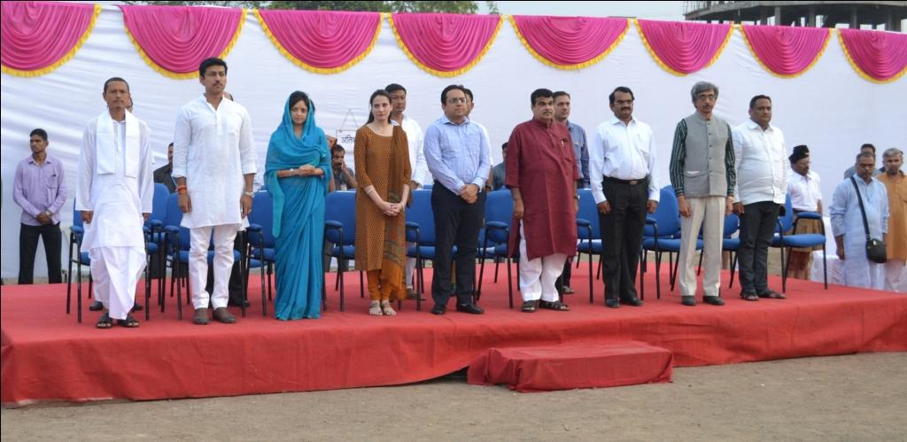 Laisemba Sanachauba, Maharaj of Manipur, Olympic Medalist Rajyavardhan Sing Rathore, Minister Nitin Gadkari, Scientist Dr Mylaswami Annadorai and other guests at the Valedictory Ceremony