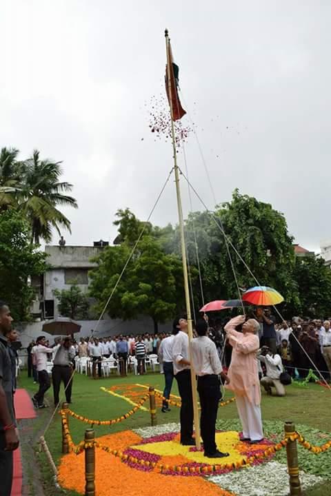 RSS Sarasanghachalak Mohan Bhagwat hoisted national flag at Surat