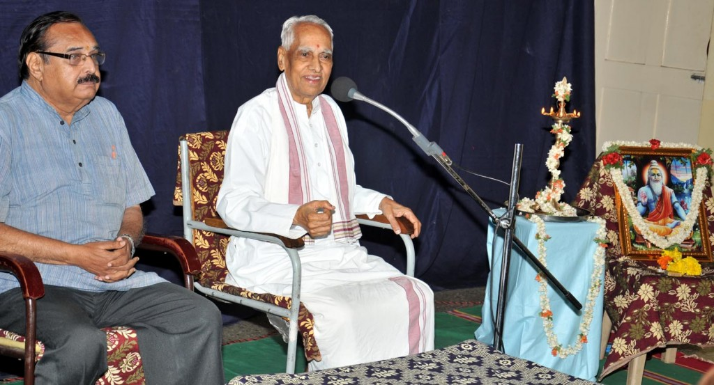 Na Krishnappa at 'Vyasa Jayanti' celebrated by Akhil Bharatiya Sahitya Parishat at Bangalore.