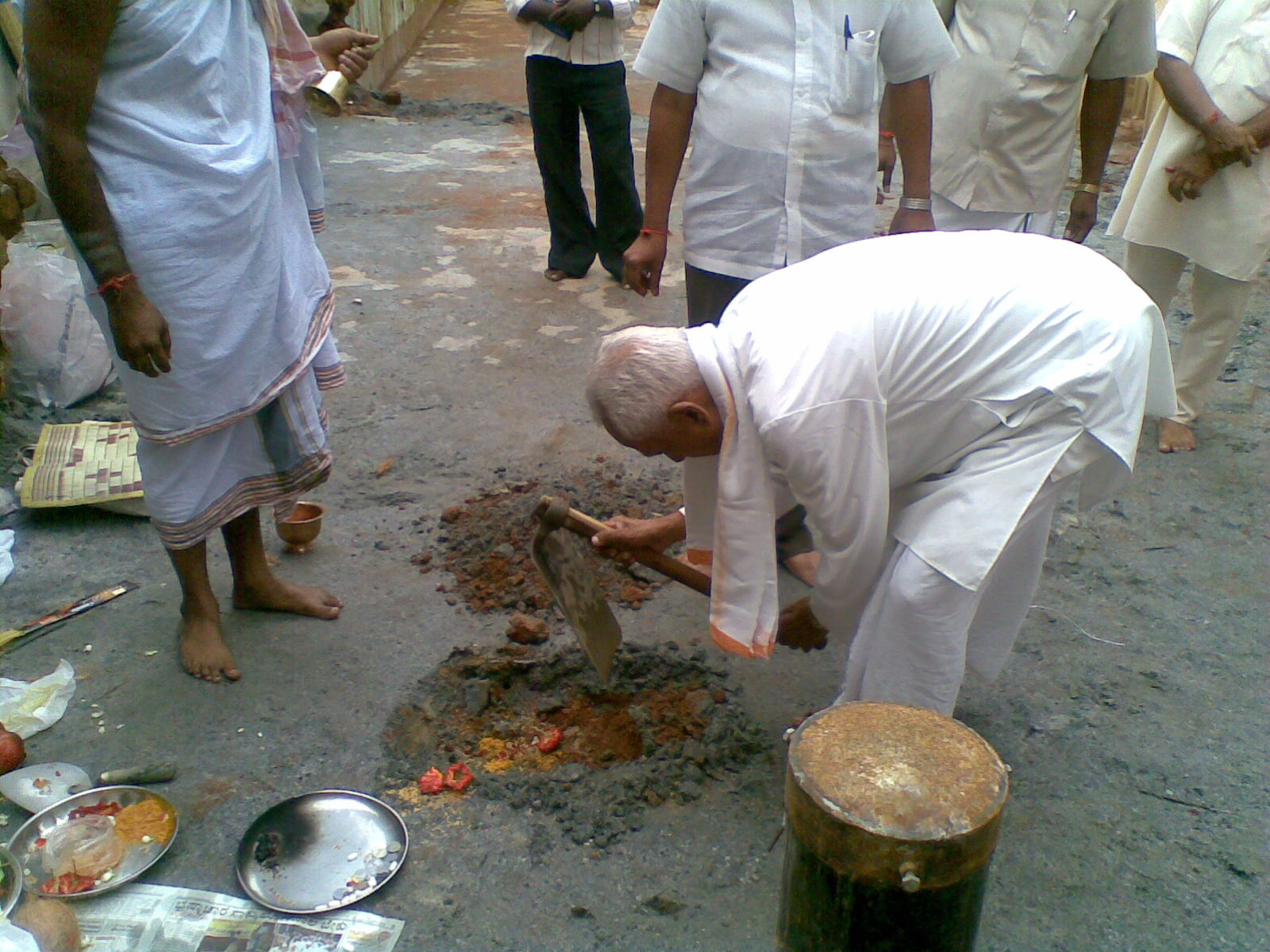 Na-Krishnappa-ji-performing-Guddali-Pooja-as-a-part-of-BHOOMIPUJAN for Vikrama Building