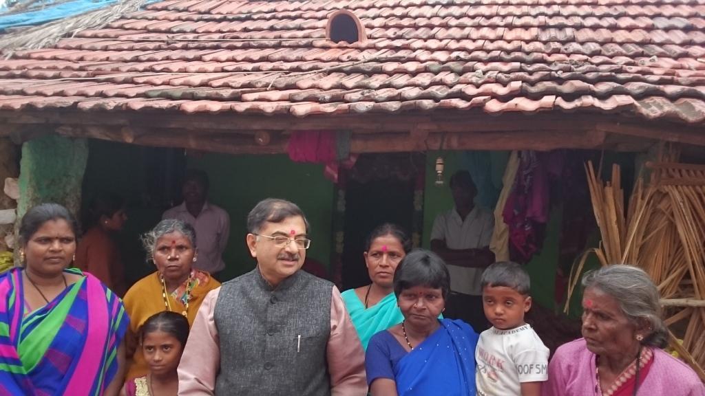 BJP MP Tarun Vijay meets Radhamma at Kolar on Friday