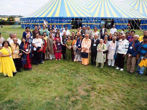 RSS Sahsarakaryavah Dattatreya Hosabale along with delegates at Sanskriri Mahashibir-2016 London