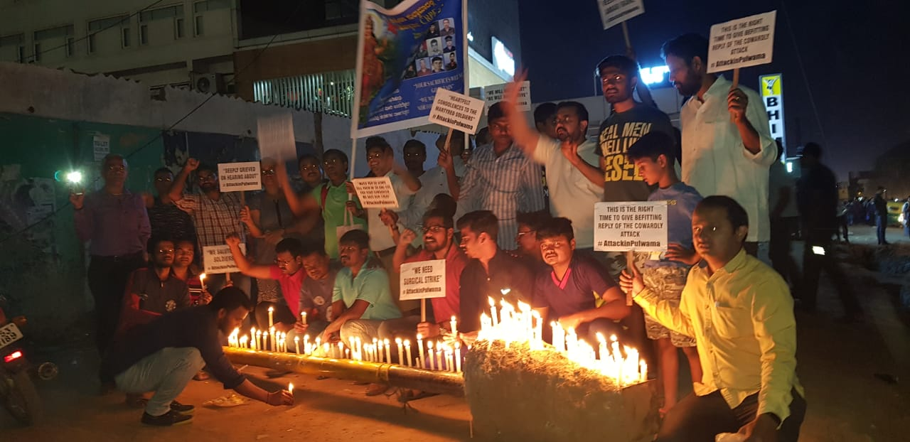 Massive citizen turnout at 'Citizens For Democracy' organised tribute to Pulwama martyrs