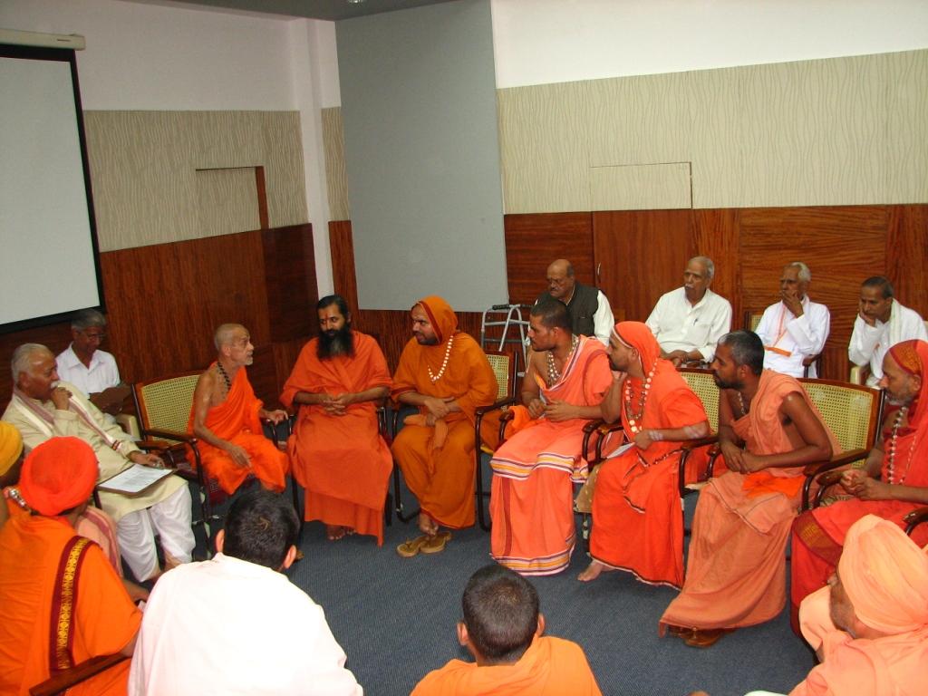 Pejawar Swamiji's life an inspiration for dedication and service