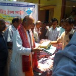Kokrazar 13 - Relief Material being distributed by Hindu Help Line & VHP Assam