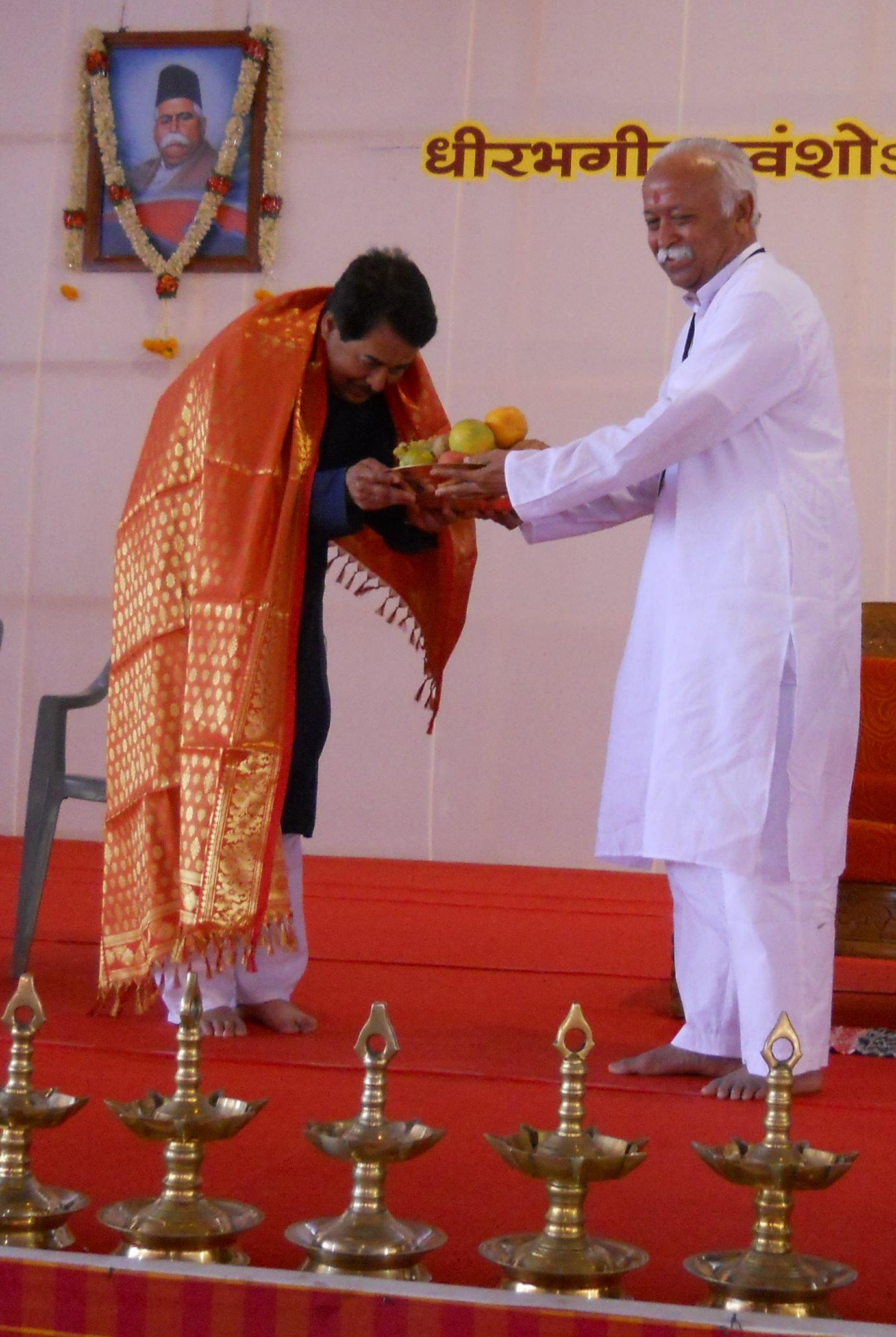 Sarasanghachalak honors KN Bhat