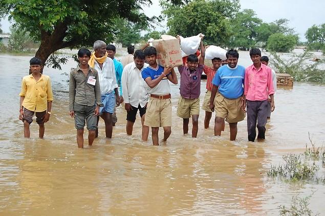 RSS Swayamvekas in flood relief programme